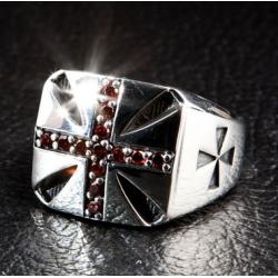 """Кольцо """"Гранатовый крест"""""""
