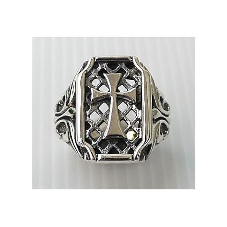 Серебряное кольцо с крестом