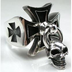 Кольцо крест с черепом