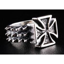 Брутальное кольцо с крестом
