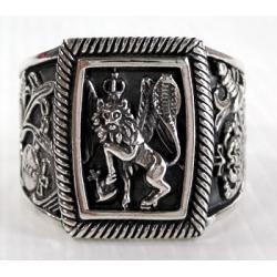 Мужской перстень со львом