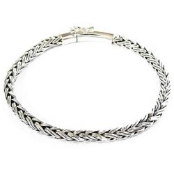 Плетенный браслет для мужчин