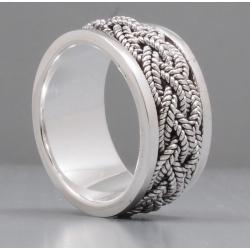 Кольцо с крутящейся серединой