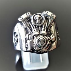 """Кольцо с двигателем """"V2"""""""