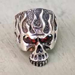 """Крупное мужское кольцо """"Огненный череп"""" серебряное"""