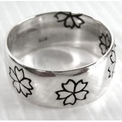 Простое кольцо с цветами