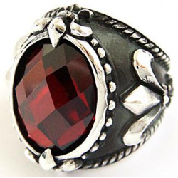 Кольцо с большим рубином
