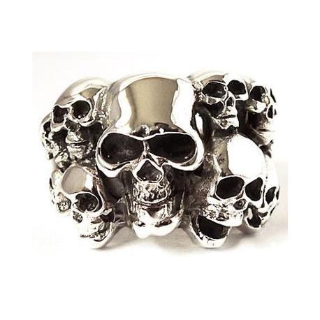 Мужское кольцо с черепами