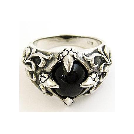 Кольцо в готическом стиле