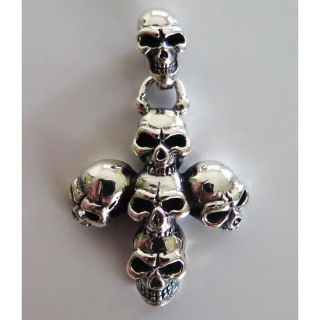 Мужской кулон с черепами