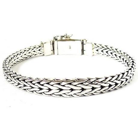 Мужской браслет плетенный