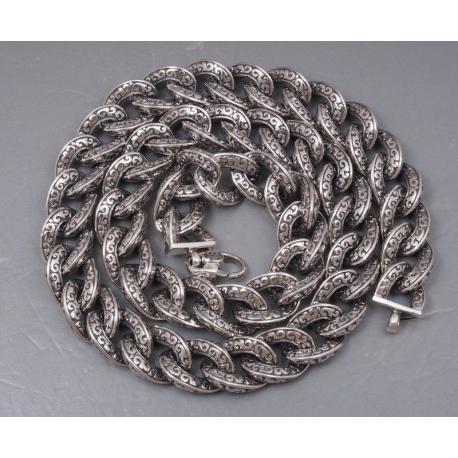 Тяжелая цепочка с узорами
