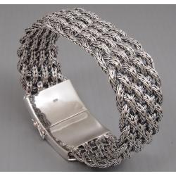 Широкий браслет плетенный